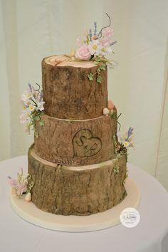 Log wedding cake, log effect wedding cake, 3 tier wedding cake, woodland wedding cake, woodland wedding, pretty log cake, sugar flowers,