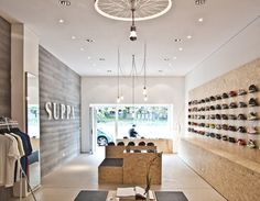 Suppa Sneaker Boutique - Studio DLF design and interior Daniele Luciano Ferrazzano Shoe Store Design, Retail Store Design, Shoe Shop, Visual Merchandising, Shoe Display, Display Wall, Displays, Sneaker Boutique, Shoe Boutique