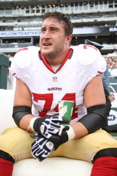 San Francisco 49ers Joe Staley shares his travel tips. #nfl #football #sports