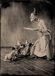 DoLores Hadley and La Famille Marionettes