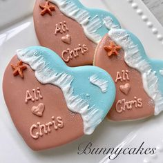 Beach wedding sand & surf decorated sugar cookies with mini starfish made by Bunnycakes Summer Cookies, Fancy Cookies, Iced Cookies, Royal Icing Cookies, Heart Cookies, Valentine Cookies, Easter Cookies, Birthday Cookies, Decorated Sugar Cookies