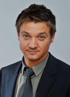 Jeremy Renner Photos Photos - Actor Jeremy Renner poses for a portrait during the 2009 CineVegas film festival held at the Palms Casino Resort June 12, 2009 in Las Vegas, Nevada.  (Photo by Charley Gallay/Getty Images for CineVegas) * Local Caption * Jeremy Renner - 2009 CineVegas Film Festival - Portraits - Day 2