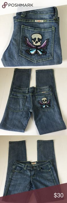 Frankie B. Skull Butterfly Pocket Straight Jean, 4 Frankie B. Skull and Butterfly Pocket Straight Jeans in size 4. Flat lay measure of the waist is approximately 14.75. Rise is approximately 6.75, inseam is approximately 34, and leg opening is approximately 7.75. Features embroidered skull and butterfly with studs on the right rear pocket, low rise, factory fading, light whispering and grinding. Made from 79% cotton, 20% polyester and 1% spandex. In overall very good condition, please ask if…