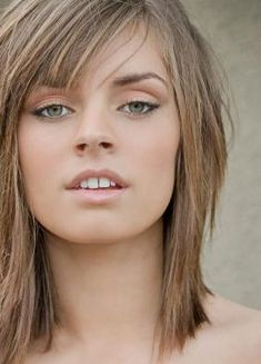 16 medium length Bob with bangs Peinados de Bob 0 2018 Bob Hairstyles 0 Even the biggest haircut in the world can be a bit boring if you always use it in the same way. If you are bored of using really long hair or you have a pixie and you feel … Bob Hairstyles With Bangs, Lob Hairstyle, Lob Haircut, Hairstyles Haircuts, Choppy Bob Haircuts, Bangs With Medium Hair, Medium Hair Cuts, Medium Hair Styles, Short Hair Styles