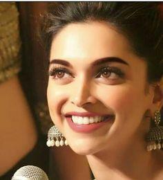 Check out Bollywood @ Iomoio Deepika Ranveer, Deepika Padukone Style, Kareena Kapoor, Bollywood Stars, Bollywood Fashion, Bollywood Actress, Makeup Dupes, Indian Celebrities, Models