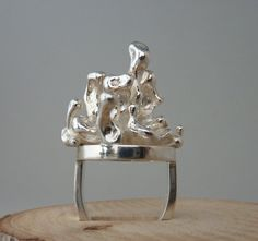 Ring, casted in peas and constructed, Anita Braat-Hopstaken, Passions Jewellery Design
