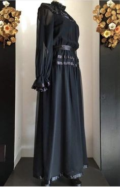 Wardrobe Closet, Vintage Gowns, 1970s, Chiffon, Black, Dresses, Fashion, Silk Fabric, Vestidos