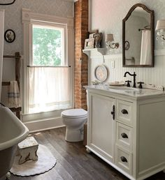 Upstairs Bathrooms, Small Bathroom, Bathroom Ideas, Cottage Bath, Fixer Upper House, Powder Room Decor, Farmhouse Kitchen Island, Farmhouse Style Decorating, Bathroom Inspiration