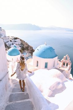 WEBSTA @ milano_streetstyle - Beautiful 💙Check link in bio. Santorini Greece, Mykonos, Santorini Travel, Travel Pictures, Travel Photos, Wanderlust Hotel, Ohh Couture, Official Dresses, Leonie Hanne
