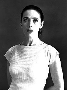 Martha Graham, the American dancer and choreographer, who has died aged made a profound and exhilarating impact on modern dance. Martha Graham, Burlesque, Barbara Morgan, Famous Dancers, The Rite, Shall We Dance, American Modern, Modern Dance, Contemporary Dance