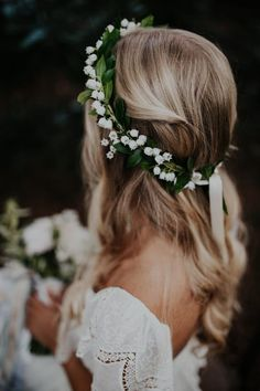 Wedding Day Beauty Tips What Not To Do Junior Bridesmaid Hair Beauty Day tips wedding Flower Crown Bride, Flower Crown Hairstyle, Bride Flowers, Flower Girl Hairstyles, Wedding Hair Flowers, Crown Hairstyles, Bridesmaid Flowers, Wedding Hair And Makeup, Wedding Beauty