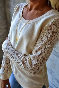 Adorable Lace Sleeved Sweatshirt with Suitable Necklace