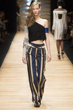 Guy Laroche Spring 2016 Ready-to-Wear Collection - Vogue