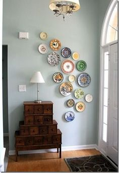 There are alternatives to those plain boring white walls! Find mirrors and wall art and more on hackthehut.com