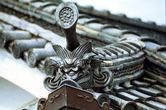 【富田林寺内町の探訪】 寺内町の建築様式 鬼瓦
