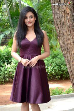 Mishti Chakraborty various india Indian Actress Pics, Indian Bollywood Actress, Bollywood Actress Hot Photos, Bollywood Girls, Beautiful Bollywood Actress, Indian Actresses, Beautiful Girl Photo, Beautiful Girl Indian, Most Beautiful Indian Actress