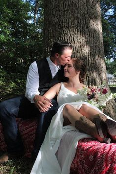 rustic wedding, wedding picture ideas, outdoor wedding, bouquet Wedding Bouquet, Wedding Pictures, Picture Ideas, Rustic Wedding, Weddings, Outdoor, Inspiration, Dresses, Fashion