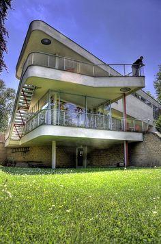 Schminke House by Wojtek Gurak, via Flickr, Habs Scharoun Dream Home Design, My Dream Home, House Design, Bauhaus, Tower House, Concrete Jungle, Hans Scharoun, Future House, Modern Architecture
