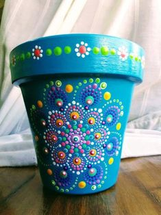 Clay Flower Pots, Flower Pot Crafts, Clay Pot Crafts, Rock Crafts, Crafts To Make, Clay Pots, Painted Plant Pots, Painted Flower Pots, Pottery Painting Designs