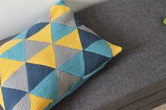 Hæklet: Pude af trekanter