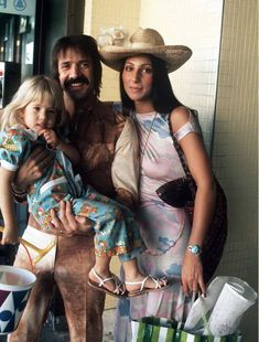 1973 Cher and Sonny Bono with child young daughter Chastity Divas, Chaz Bono, I Got You Babe, She Movie, Movie Tv, Vogue Magazine, Its A Wonderful Life, Her Music, Models