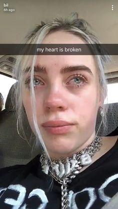 Aww billies reaction to the death of x. Rip x 💛💛 billie eilish Billie Eilish, Quote Girl, Videos Instagram, Alternative Makeup, Grunge Hair, My Girl, Celebrities, Pretty, Beauty