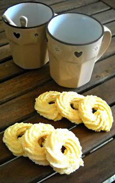Ciambelline di frolla montata  Whipped Shortbread Cookies