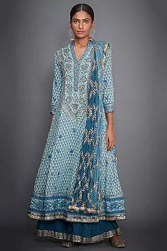 Turquoise & Off White Kurta Set Design by Ri Ritu Kumar at Pernia's Pop Up Shop Ritu Kumar Suits, Kurta Palazzo, Palazzo Pants, White Kurta, Neck Designs For Suits, High Neck Blouse, Kurta Designs, White Outfits, Ethnic Fashion