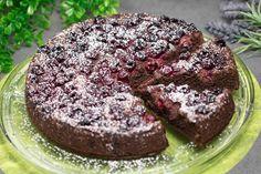 Der Schoko-Kirschkuchen ist Low Carb und glutenfrei. Zudem ist er schnell gemacht und auch noch zuckerfrei.