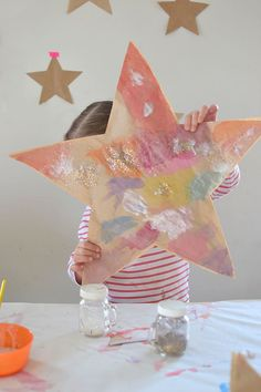 these paper stars from recycled brown bags, then stuff them to make them pu.Make these paper stars from recycled brown bags, then stuff them to make them pu. Projects For Kids, Diy For Kids, Craft Projects, Crafts For Kids, Toddler Art, Toddler Crafts, Fun Crafts, Paper Crafts, Stars Craft