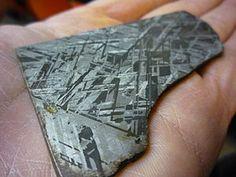Meteorite cross-section, showing Widmanstätten patterns.