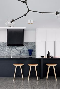Overlooking Melbourne's shipping ports, this elegant home of strong simple materials has been built for longevity. Concrete, solid oak and stone were the primary materials. The linear graphic lines of the detailed joinery complement the...