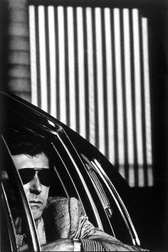 Bryan Ferry by Anton Corbijn, 1982. (the impossible cool.)