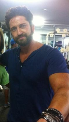 Gerard Butler, wow he's built!......those arms...OMG