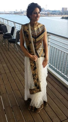 indian designer wear Looking for Jacket Blouse Designs for sarees? Here are our picks of 16 amazing blouse designs you can wear with any saree. Blouse Back Neck Designs, Saree Blouse Designs, Saree Draping Styles, Saree Styles, Indian Attire, Indian Ethnic Wear, Indian Dresses, Indian Outfits, Asian Fashion