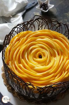 Mango Vanilla Cake | Fresh Mango Cake with Vanilla and Chocolate Collar » The Secret Ingredient