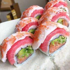 Sushi Party, Sushi Sushi, Sushi Love, Good Food, Yummy Food, Food Goals, Cafe Food, Asian, Aesthetic Food