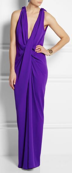 Lanvin LBV I'm a huge fan of simplicity and this dress blew my mind ! Lanvin, Runway Fashion, High Fashion, Womens Fashion, Formal Fashion, Jessica Parker, Purple Fashion, Beautiful Gowns, Elegant Dresses