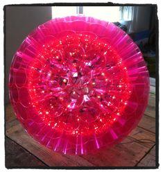 Zelf een lamp maken van plastic bekertjes? Dat kan. Interesse in een workshop? Kosten zijn variabel door materiaal en vorm. Mail voor meer informatie info@stiksels.com