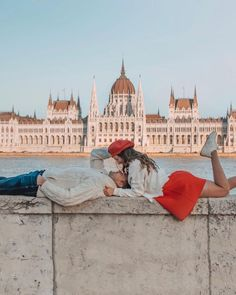50 Ideas For Affordable Honeymoon Packages ❤ affordable honeymoon packages walking couple in budapest hungary themacarongirl.travels #weddingforward #wedding #bride #affordablehoneymoonpackages Best Honeymoon Spots, Affordable Honeymoon, Best Honeymoon Destinations, Honeymoon Packages, Beach Tops, Places To See, Travel Photography, Photoshoot, Couples