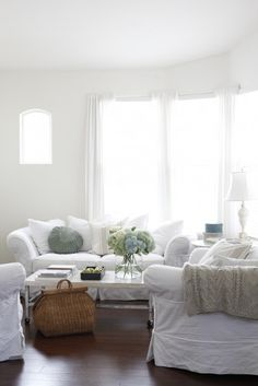 beachcomber: dreamy whites