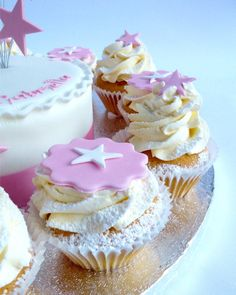 Round-about Star Spray Topper | Karen's Cakes