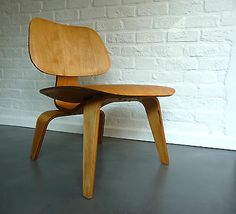 Charles Eames LCW Lounge Chair PlyWood 5-2-5 Evans Company Birch Birke vintage
