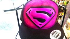 Pink Superman - Airbrushed Hat #Anvil #PersonalizedTee Airbrush Designs, Airbrush Art, Minimal Style, Minimal Fashion, Awesome Art, Cool Art, Hand Painted Toms, Paint Shirts, Graffiti Designs