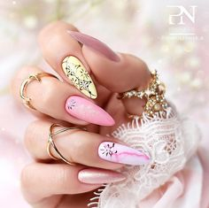 20 Different Ways To Style Glitter Nails - Nail Art