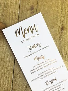 How To Choose A Tasty Wedding Menu – Wedding Candles Ideas Wedding Place Names, Wedding Place Settings, Wedding Menu Cards, Wedding Places, Diy Menu Cards, Wedding Buffet Menu, Wedding Tables, Wedding Stationery, Catering Menu