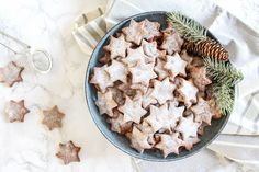 These Healthy Almond and Cinnamon Christmas Stars are the perfect healthy Christmas cookies. They are naturally sweetened and absolutely delicious.