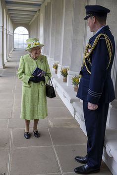 Hm The Queen, Save The Queen, Royal Uk, Royal Australian Air Force, House Of Windsor, Prince Phillip, English Royalty, Royal House, Thats The Way