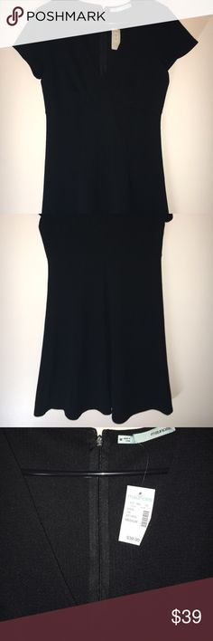 🆕Black v-neck dress NWT🆕 Never worn, new with tags, black dress from Maurices, knee length- maybe a little longer depending on height Maurices Dresses Midi