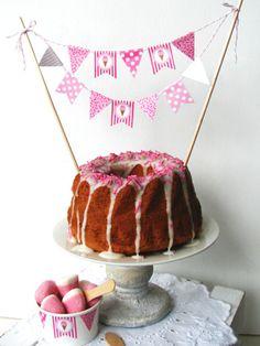 Dekoration - Kuchen-Girlande // cake garland by Das-Inselmaedchen via dawanda.com